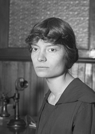 Dorothy_Day,_1916_(cropped)